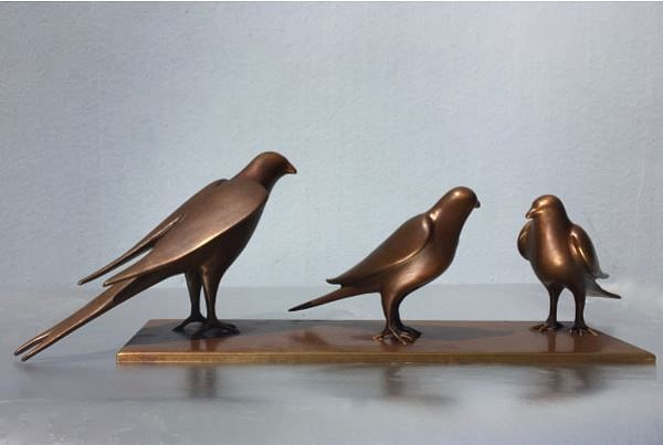 Gwynn Murrill, 3 Birds on Bronze Plate Bronze